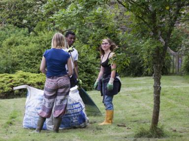 Garden_Workers3.jpg